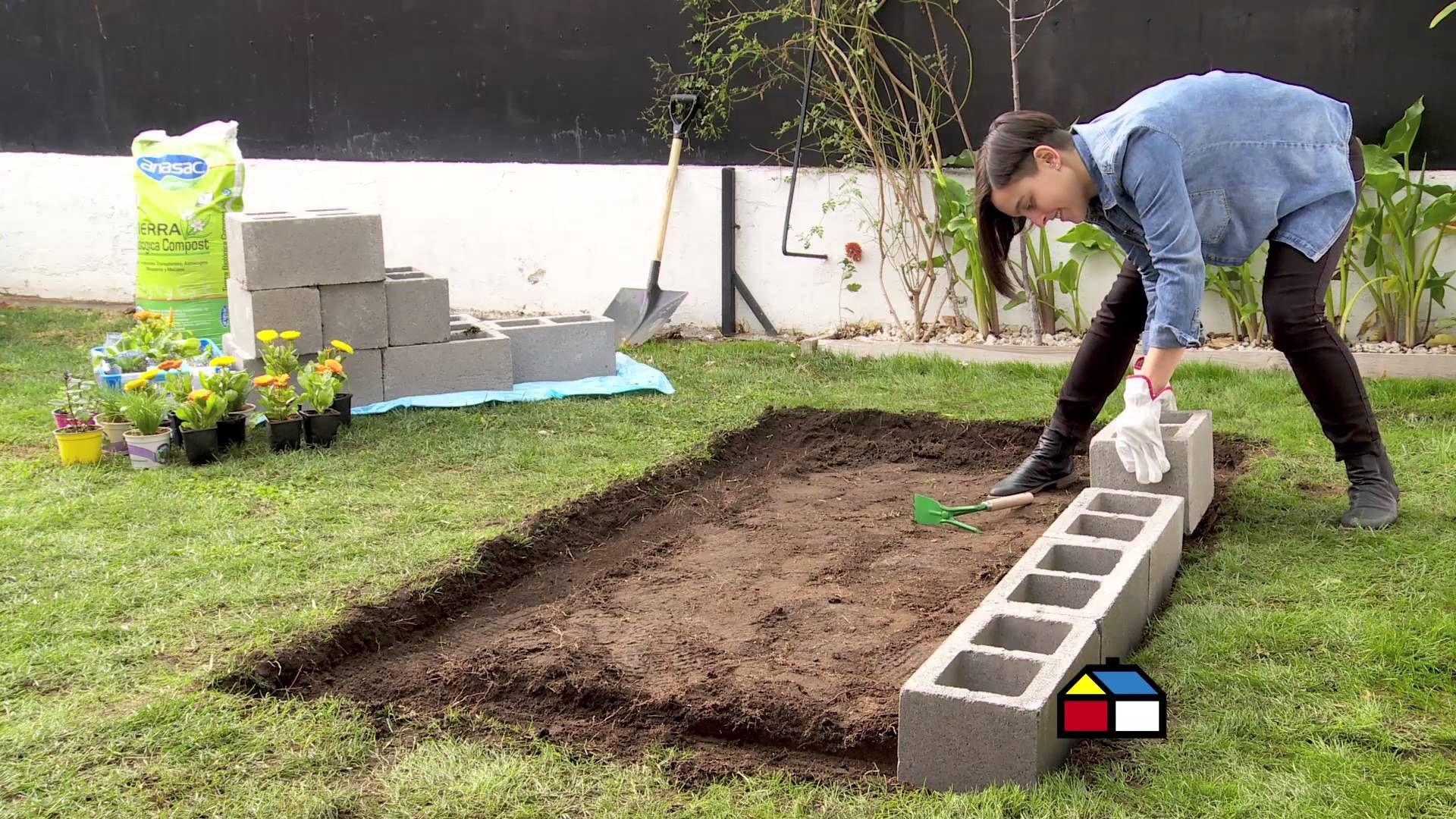 C mo hacer una huerta con bloques de concretos en el for Como arreglar un patio pequeno crear un jardin