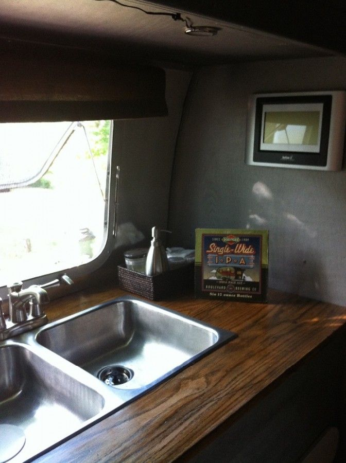1972 Airstream Sovereign 31 - Kansas | Vintage Campers N' Trailers