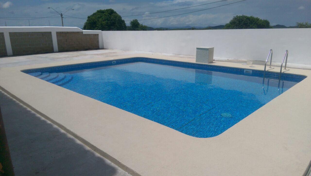 piscina construida en santiago verdun hills con pentair