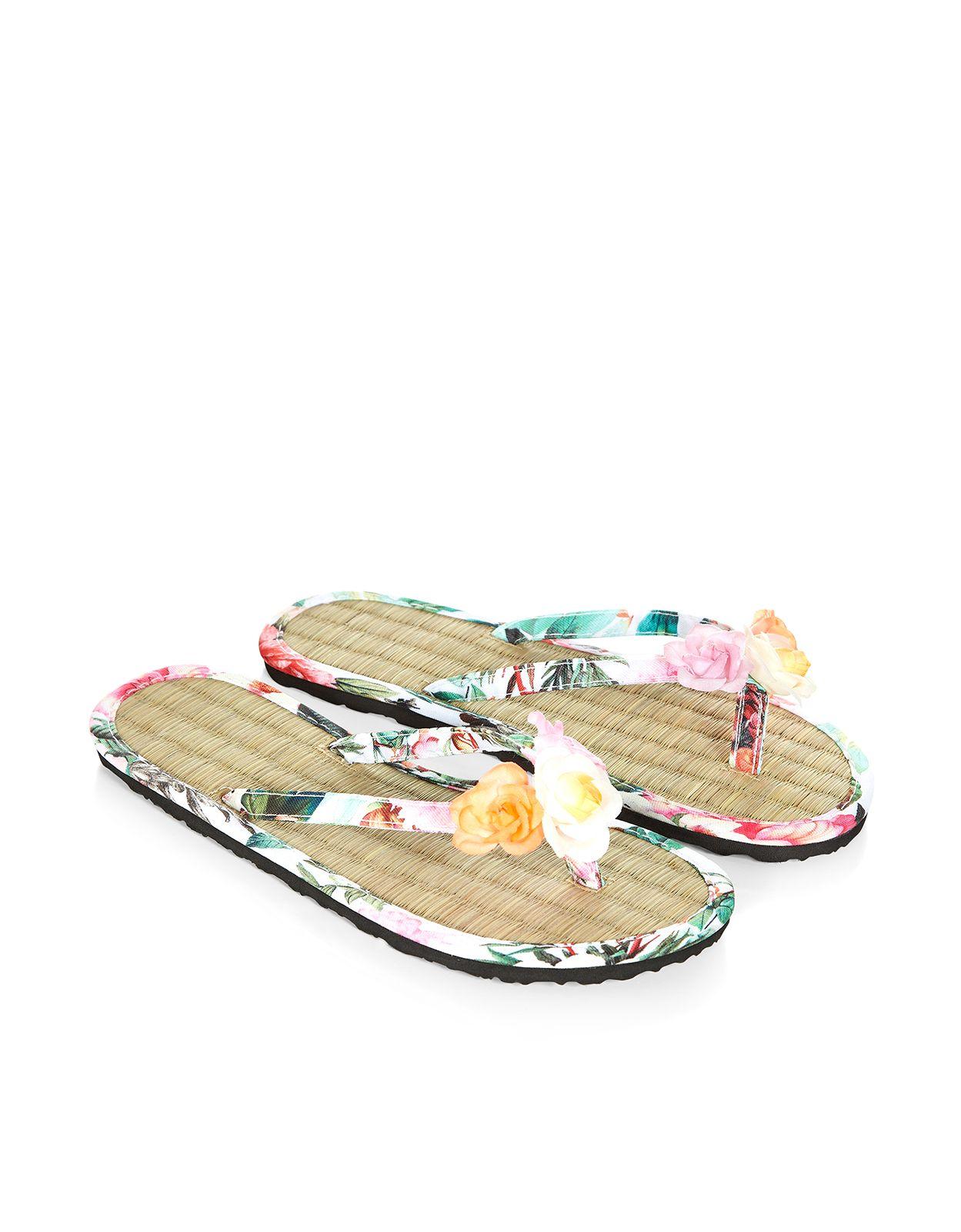 8688c2387f24 Flower Garland Seagrass Flip Flops