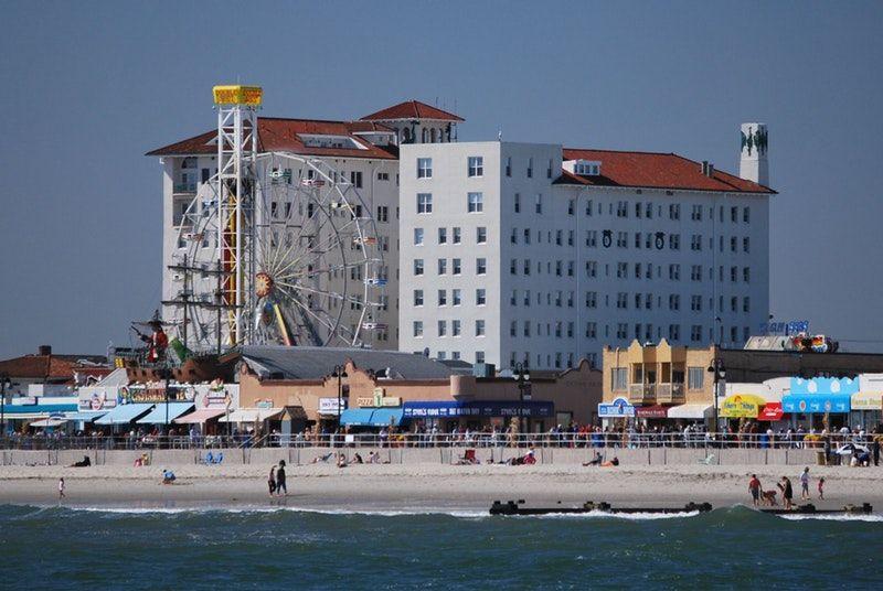 Sold Flanders 7th Flr Condo On Brdwlk Beach With Ocean Views 719 E 11th Street Ocean City Nj Ocean City Nj Ocean City Haunted Places