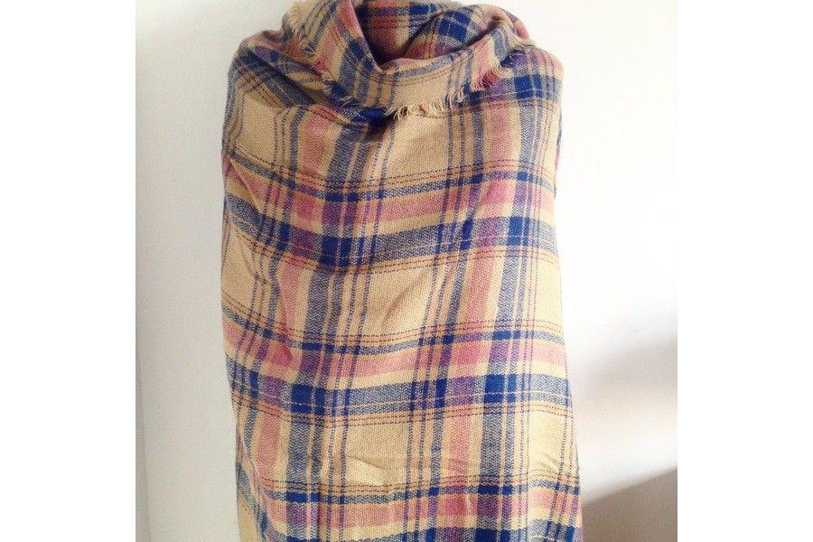 911e74b61b9a6 Tartan Mac Conaughey   Echarpe plaid écossais   Pinterest   Châle ...