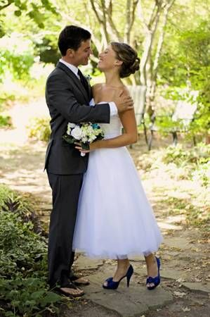 Tea Length Wedding Dress And Blue Shoes Short Bridal Gown Short