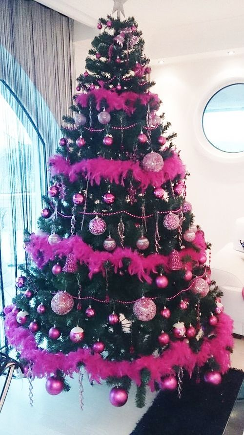 hot pink black christmas tree christmas black and pink. Black Bedroom Furniture Sets. Home Design Ideas