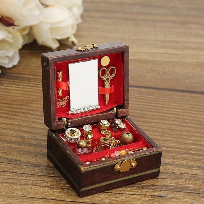 Wooden Jewelry Box in 2020 Kids jewelry box, Wooden