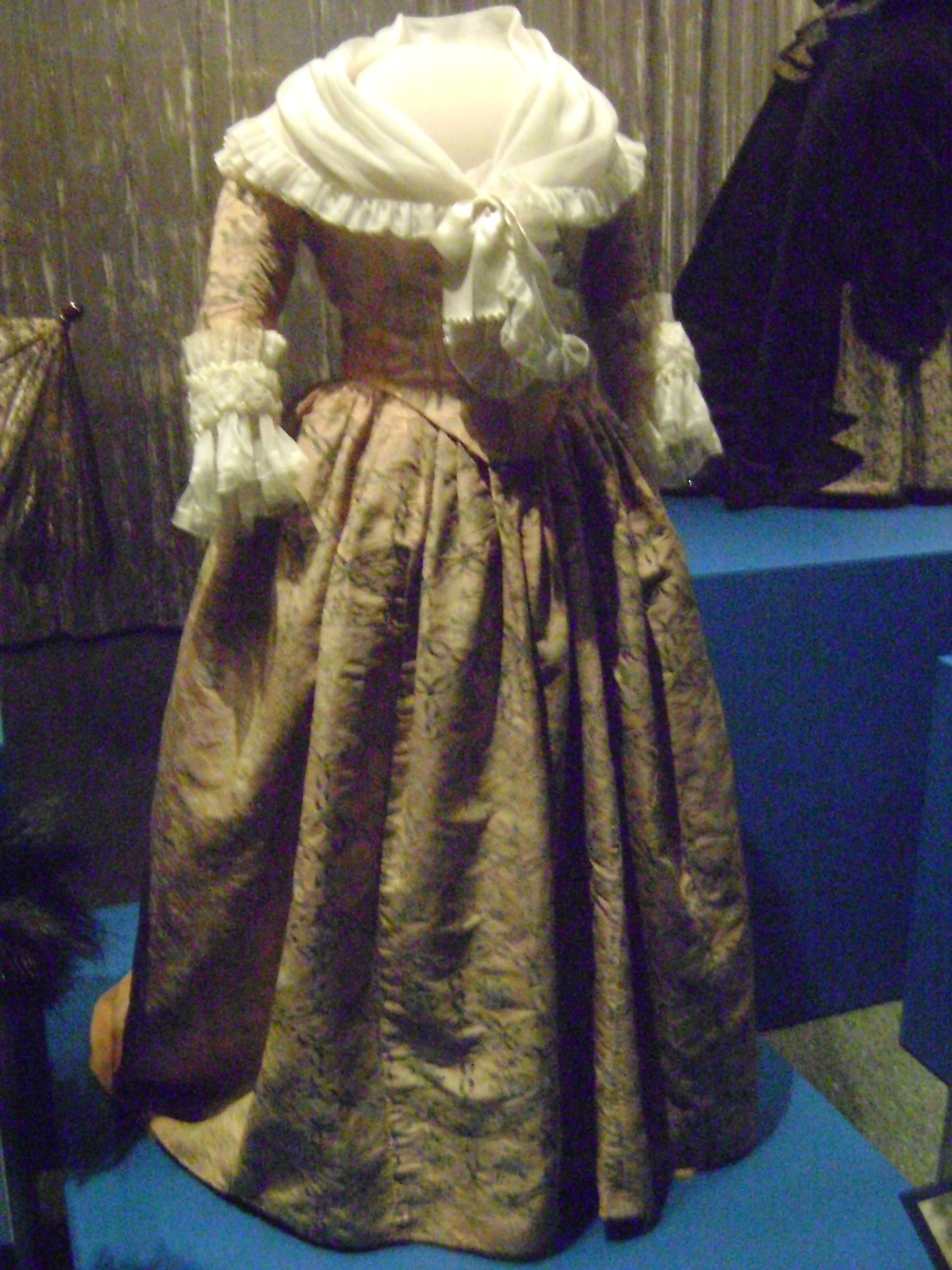 Martha Washingtons Inauguration gown at the Smithsonian. | Fashion ...