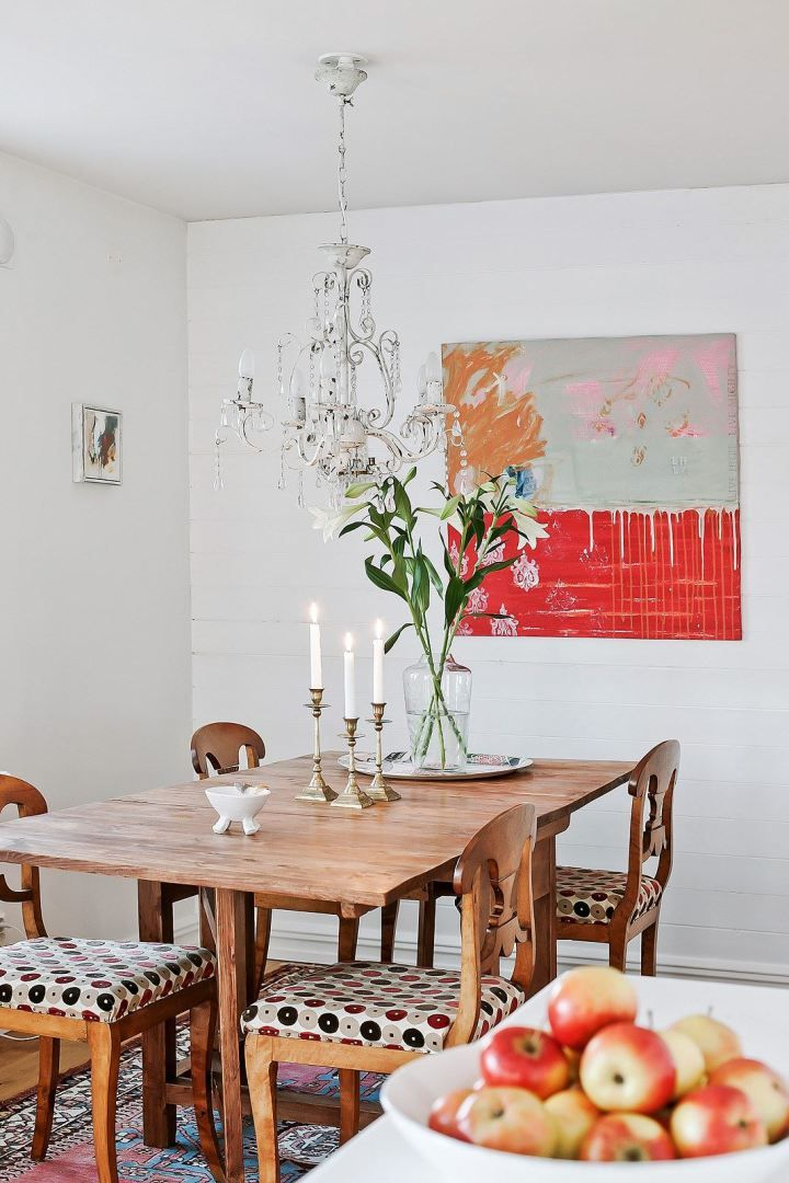 madera blanca estilo nórdico escandinavo estilo nórdico costero estilo limpio y ordenado estilo hamptons decoración interiores decoración en blanco decoración con textiles y texturas casas nórdicas junto al mar
