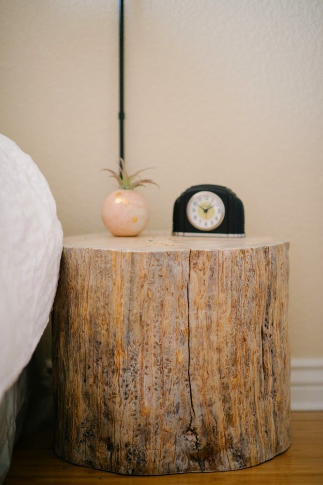 Vintage Whites Blog 10 ways to refresh and update your bedroom - on - Repeindre Une Porte En Bois