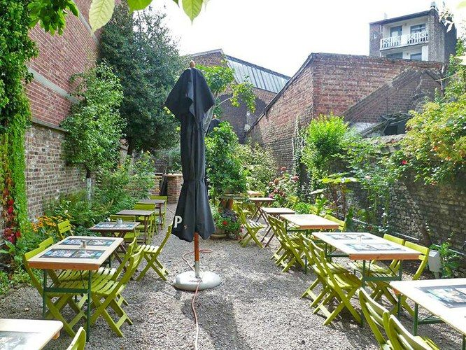 Restaurant Cote Cour Cote Jardin A Liege Restopass Inside