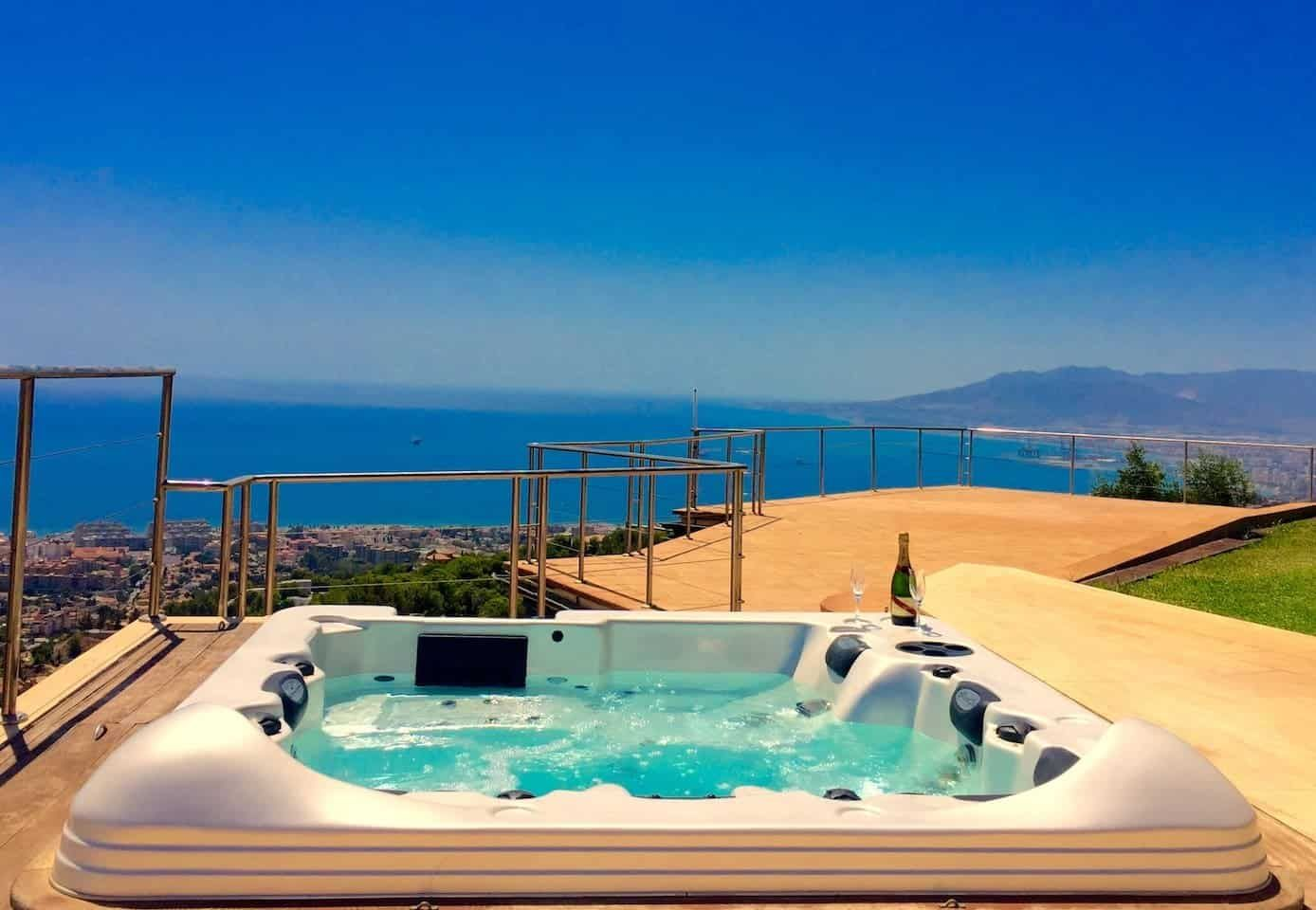 15 Best Malaga Airbnb Apartment Rentals In Spain Budget Lux Itsallbee Solo Travel Adventure Tips Rental Apartments Malaga Airbnb Rentals