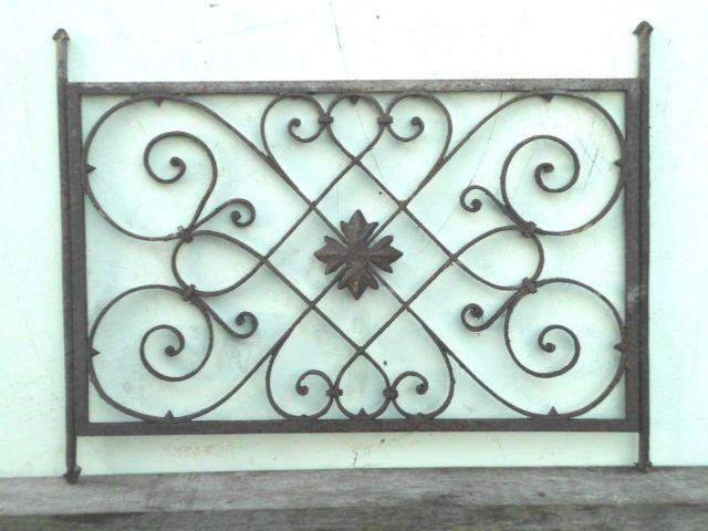 Uraltes Schmiedegitter Ziergitter Fur Fenster Schmiedegitter Zier Gitter Fenster Corrimao De Ferro Corrimao Design