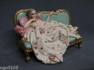 Porcellane FABRIS Elegantissima Dama sul divano