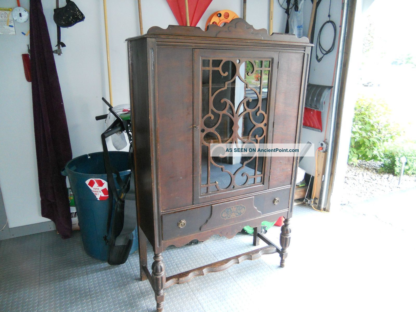 Antique 1920 - 1930 u0027 S Colonial Revival China Cabinet 1900-1950 photo