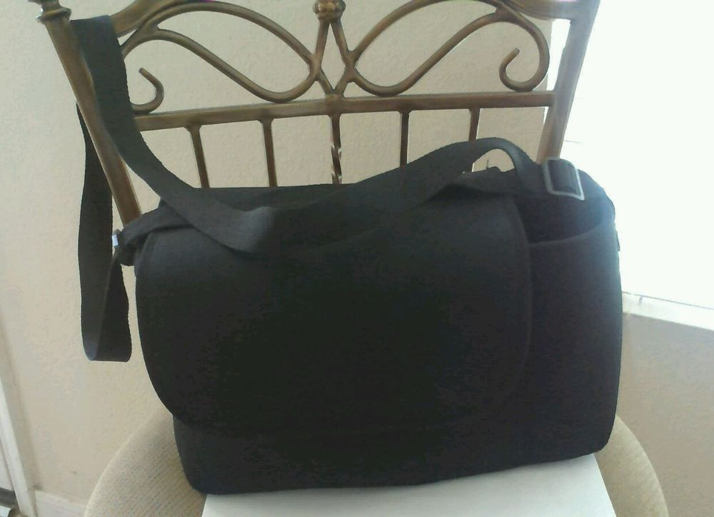 Arctic Zone Black Adjustable  Lunch Bag with a drink space.  CRT7 #ArcticZone