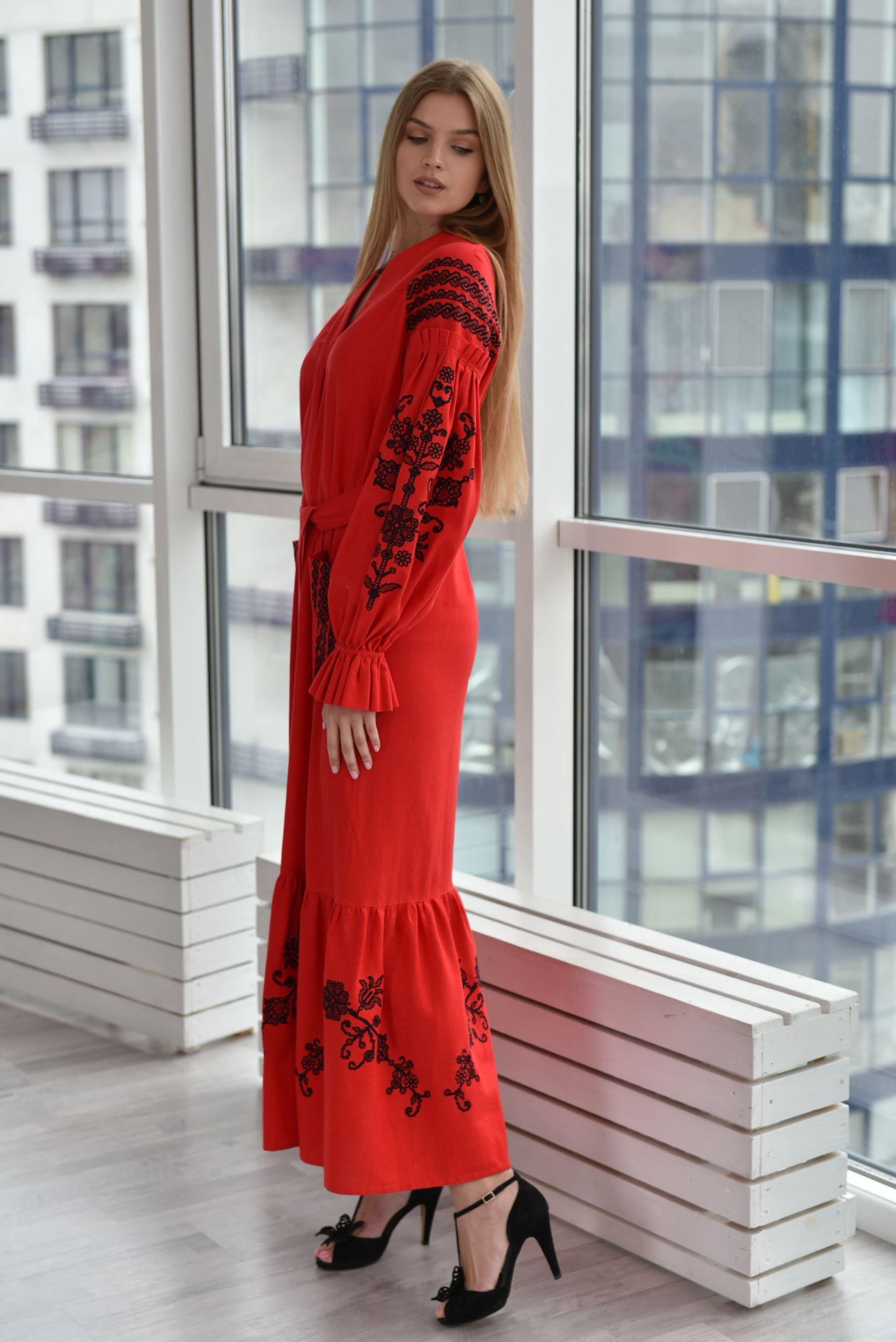 fe3f19b6730874 Вишита червона сукня з чорною вишивкою | Dress vyshyvanka / Сукні ...