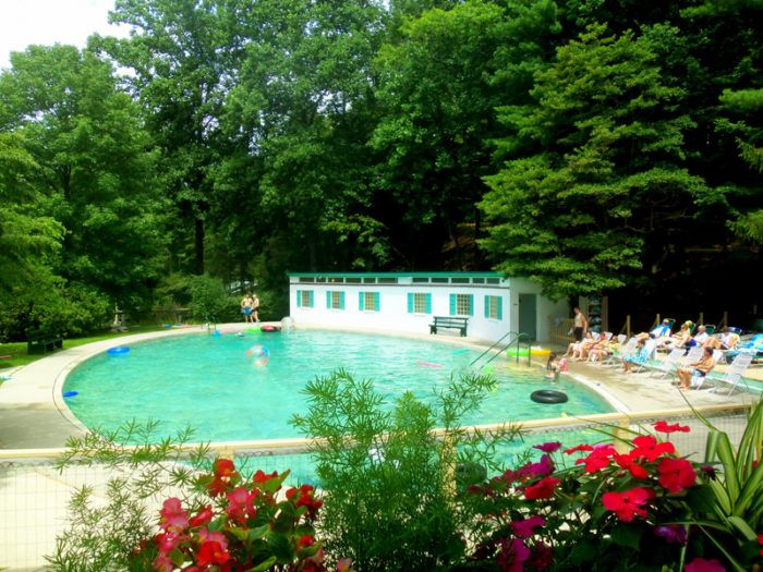 The Incredible Spring Fed Pool In West Virginia You Absolutely Need To Visit West Virginia West Virginia Travel Spring Resort