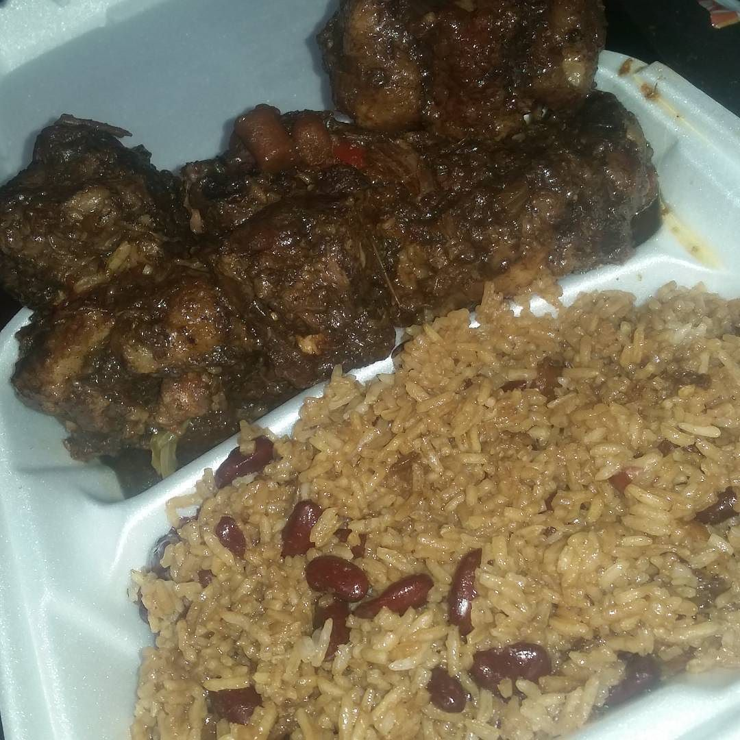 i made some homemade jamaican oxtail with red peas and