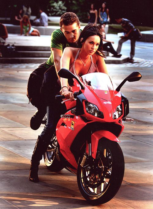 Megan Fox and Shia LaBeouf in Transformers Megan fox
