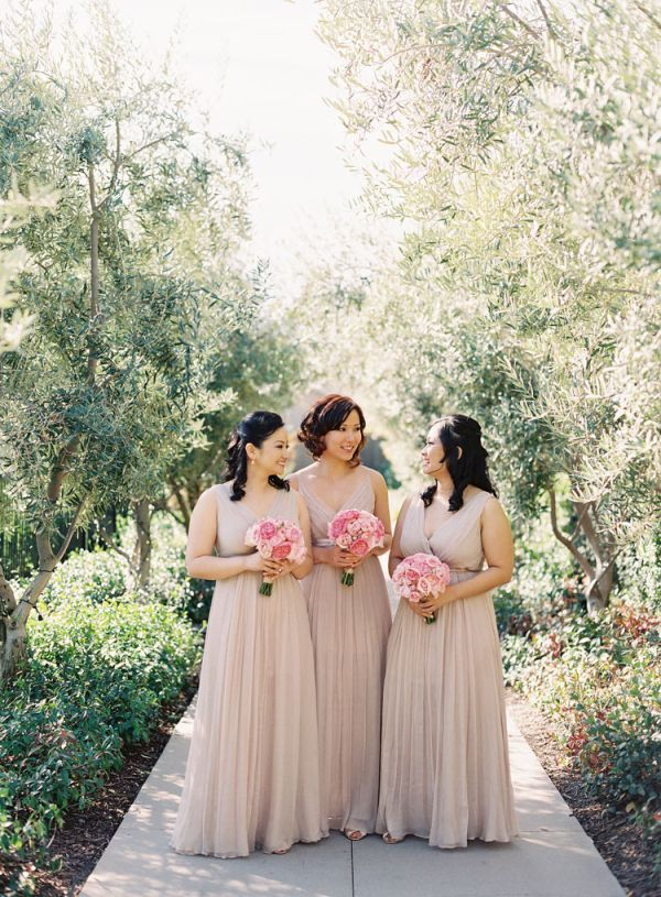 Nude/Beige Bridesmaid's Dresses with Light Pink Bouquet ...