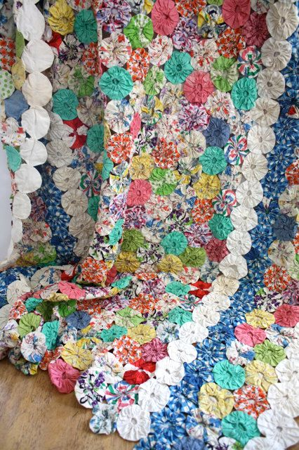 Pin By Esther Fueyo On Quilts Quilts Yo Yo Quilt Vintage Quilts