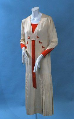1920 SPORTY DECO SILK CREPE SUMMER DAY DRESS CREAM WITH RED APPLIQUE ACCENTS