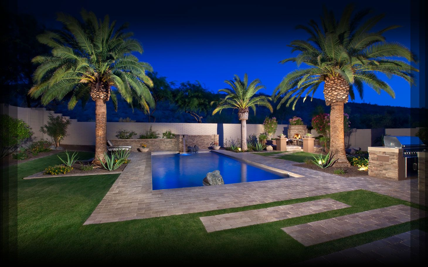 Desert pool landscaping arizona phoenix pool for Backyard pool design ideas
