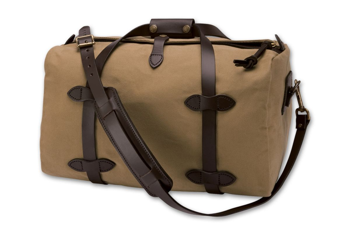 Filson Small Duffle Bag.  MadeInUSA   American Made Gift Ideas ... 56873ef4fd
