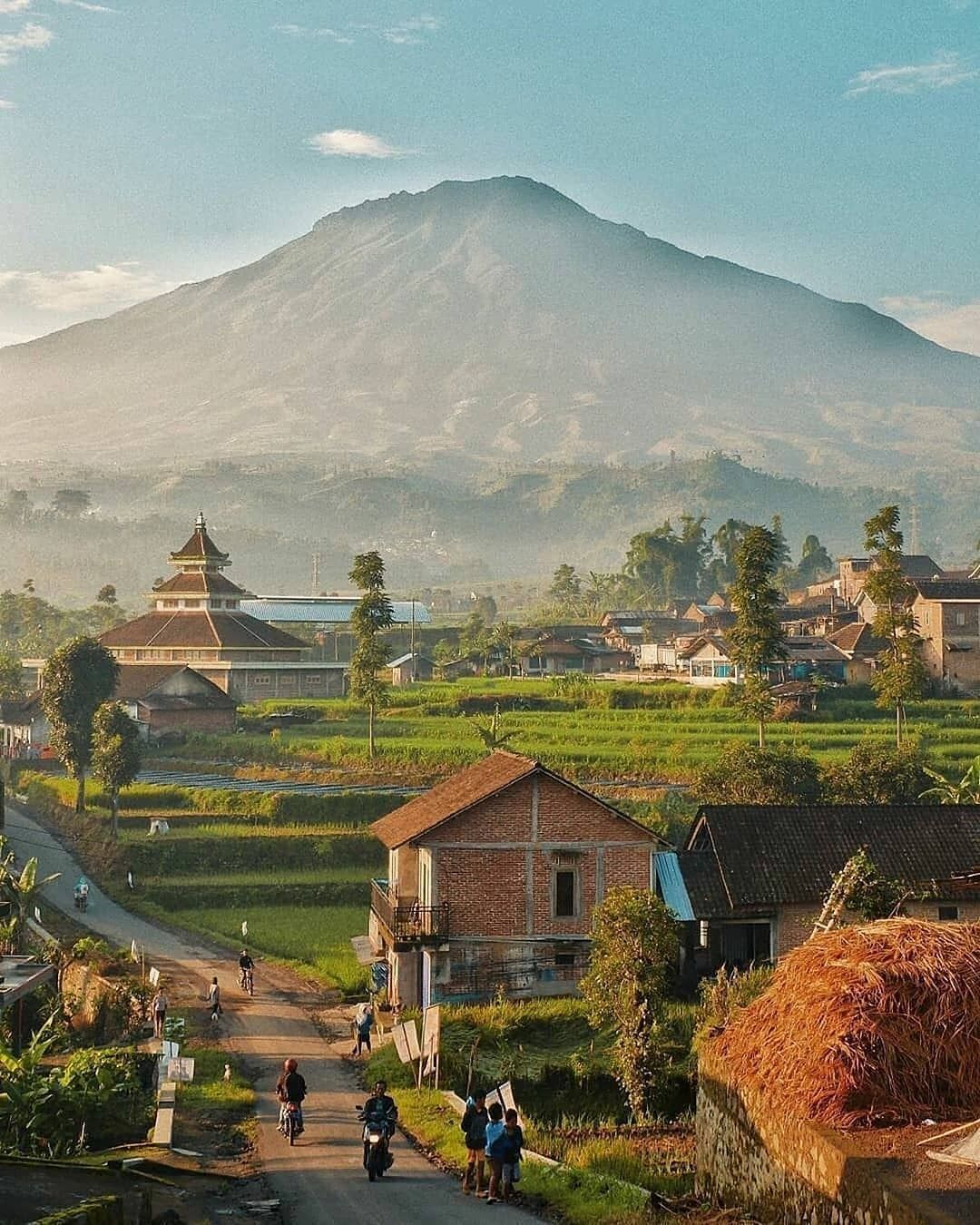 Indonesia Tourism Destination Tag Your Friends If You Really Want To Go There With Them Location Temanggung Tag Yo Di 2021 Fotografi Alam Pemandangan Pedesaan