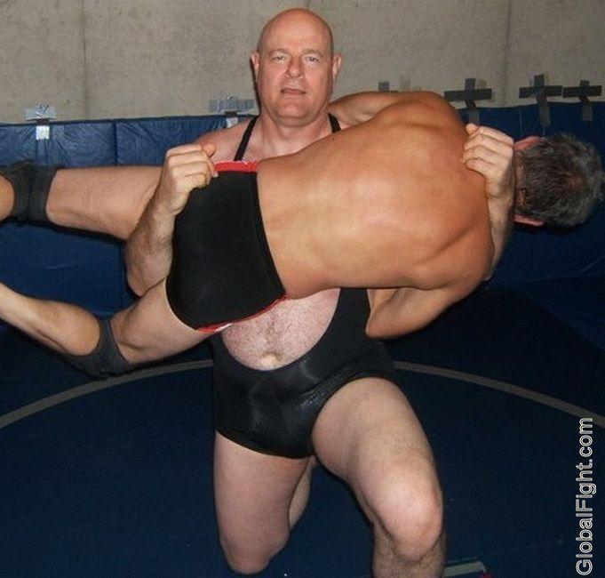 Male wrestling tube