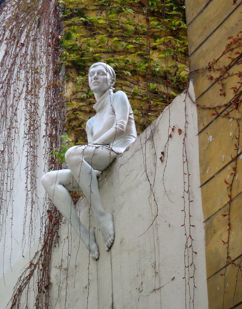Deaprojekt Neu Sitting Girl Street Statue In Prague Czech