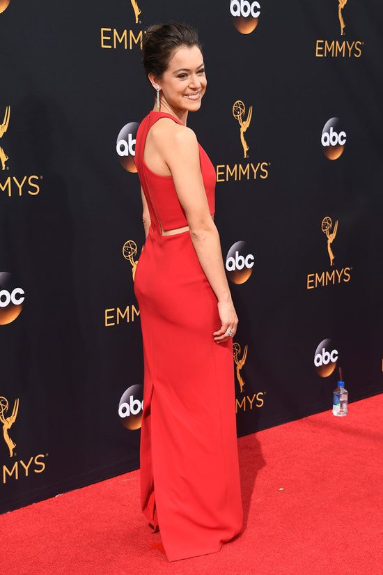 Tatiana Maslany Orphan Black 2016 Emmy Awards Red Carpet Fashion