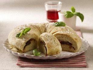 Das Rezept für Tomatenbrotring mit Parmaschinken und Mozzarella und weitere kostenlose Rezepte auf LECKER.de
