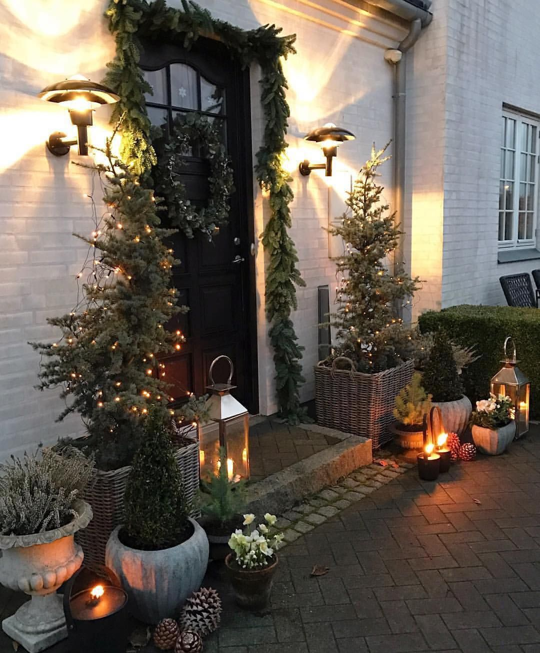 "Better Homes & Gardens on Instagram: ""@gncgarden is still living in the glow of Christmas through her welcoming decor ️"""