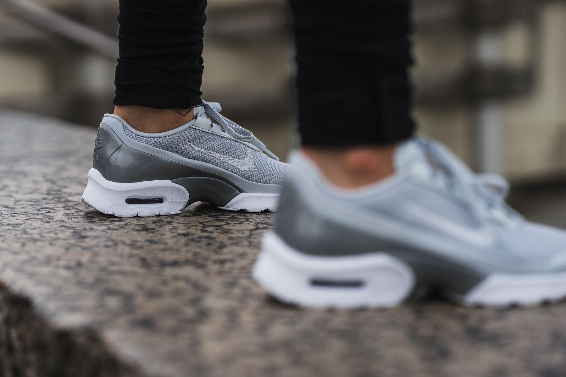 Nike Wmns Air Max Jewell Premium | Turnschuhe nike, Sneaker
