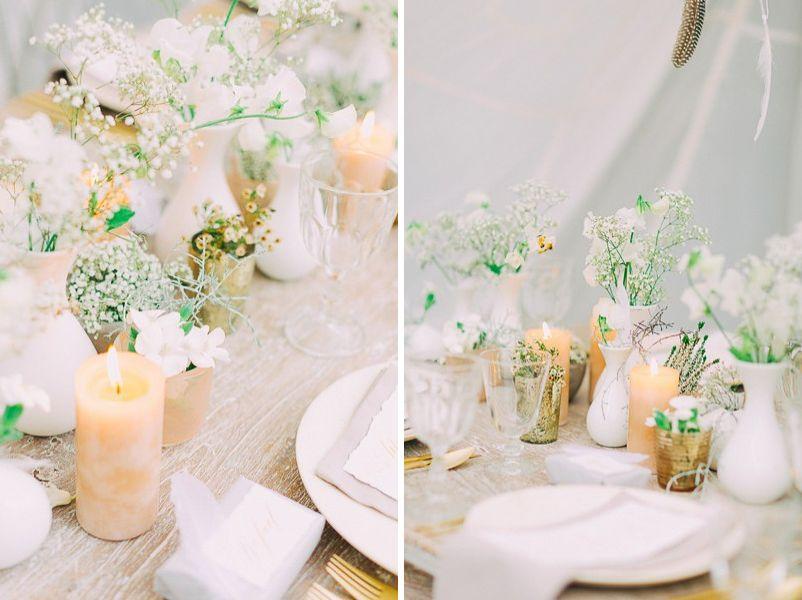 Tischdeko Fur Eine Hochzeit In Weiss Gold Grau Und Beige Mit Federn