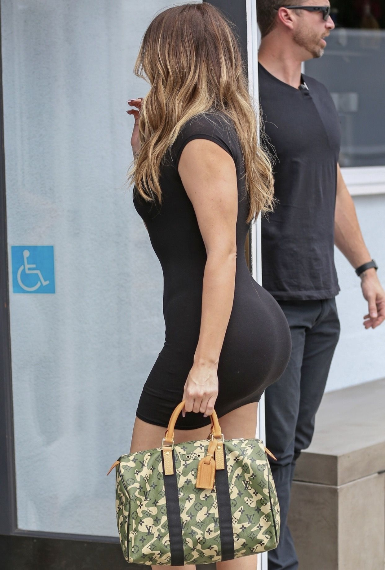 khloe-kardashian-free-mature-boobs