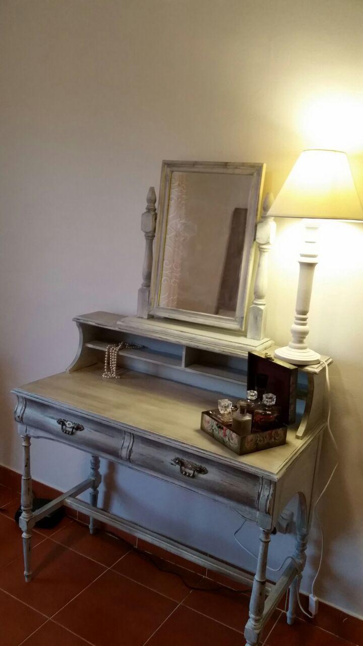 Tocador antiguo restaurado y pintado a mano muebles - Muebles antiguos restaurados ...