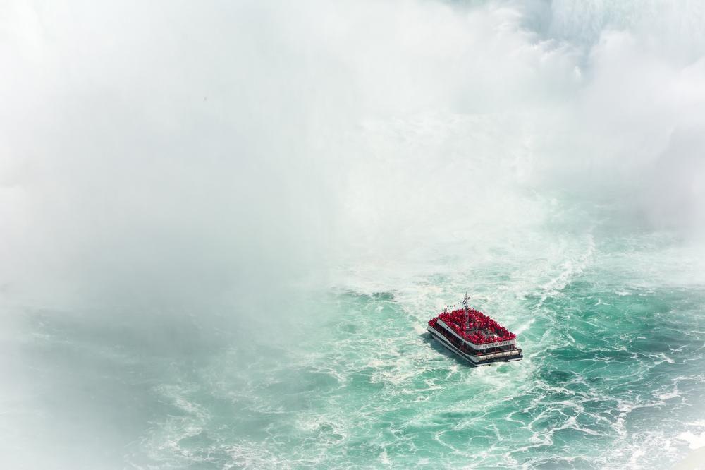 Que diriez-vous d'une #croisière sous les chutes du Niagara?