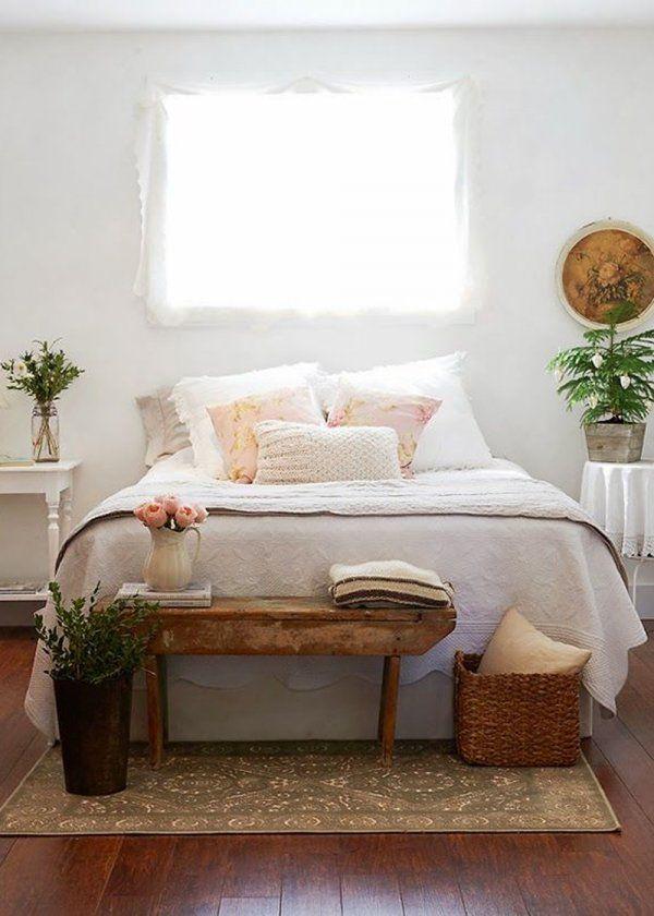Nos Idees Pour Un Bout De Lit Style Deco Maison Deco Chambre Idees Chambre