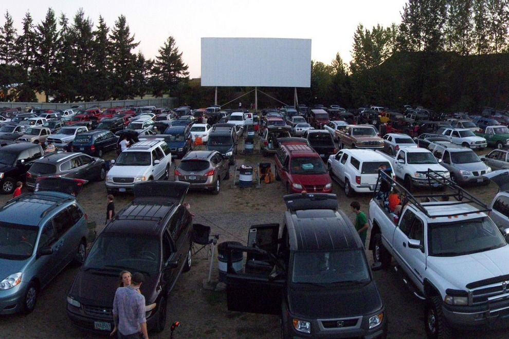 NEWBERG, Oregon     99W Drive In   Best Drive In Movie Theater