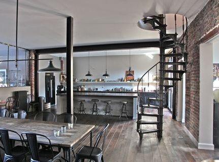 escalier 1880 escalier colimacon helicoidal en fonte de l 39 epoque industrielle photos loft. Black Bedroom Furniture Sets. Home Design Ideas