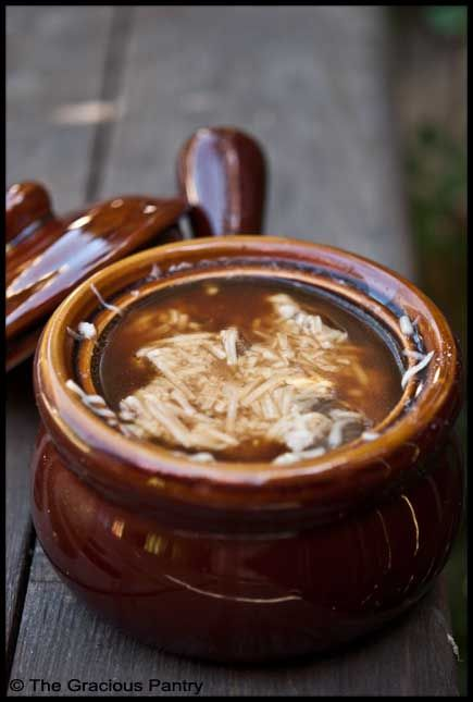 Clean Eating French Onion Soup (Click Pic for Recipe) I completely swear by CLEAN eating!! To INSANITY and back.... One Girls Journey to Fitness, Health, & Self Discovery.... http://mmorris.webs.com/
