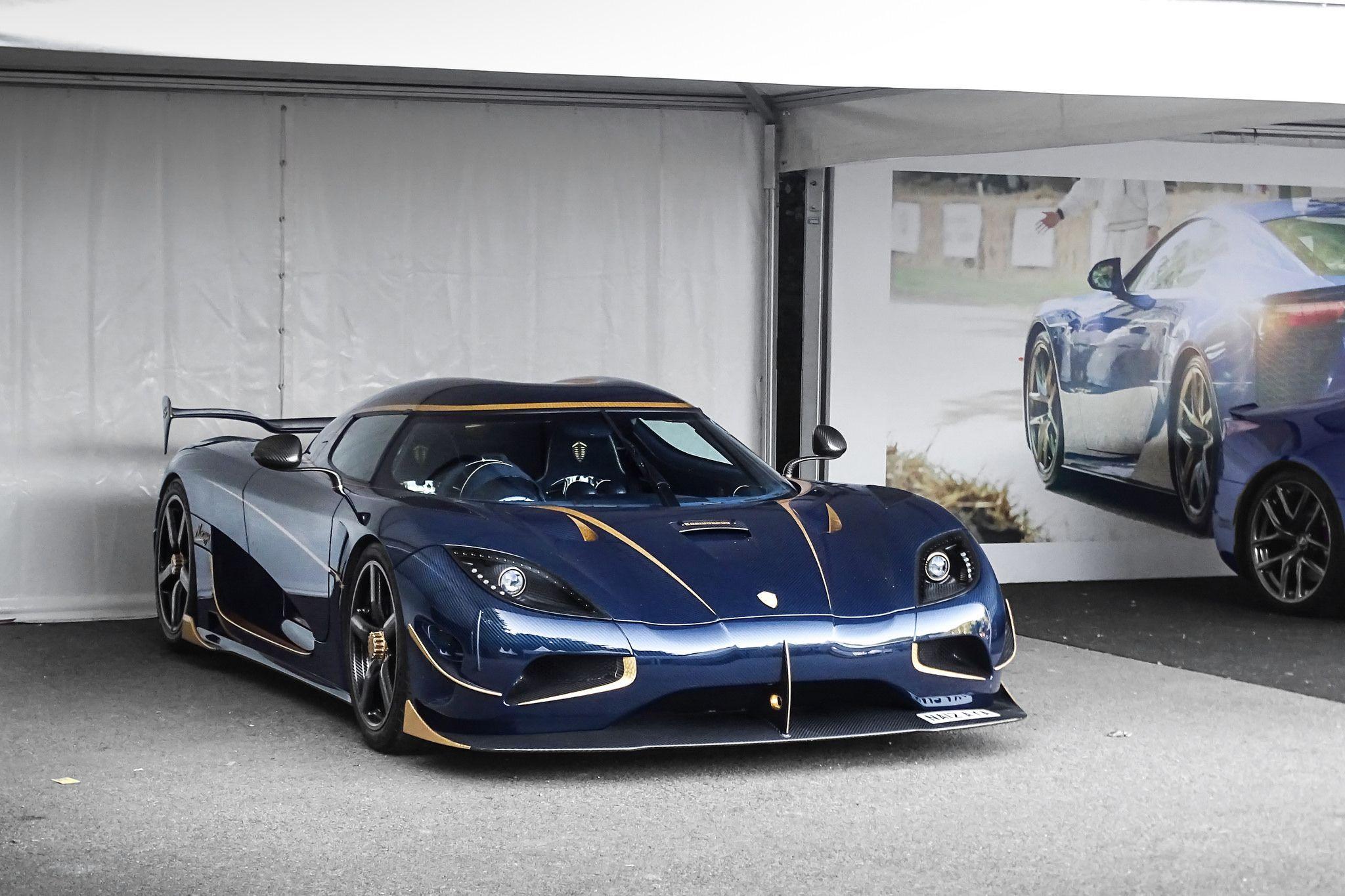 Gold Highlights Koenigsegg Super Cars Super Luxury Cars