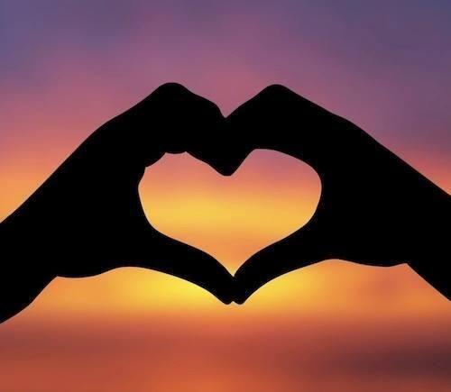 Txm On Twitter Heart Wallpaper Love Wallpaper Cute Love Wallpapers Hand shaped love wallpaper in sunset
