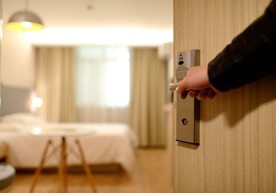 Diferencias Entre Puertas Blindadas Y Acorazadas Camarera De Pisos Hotel Departamentos Nuevos