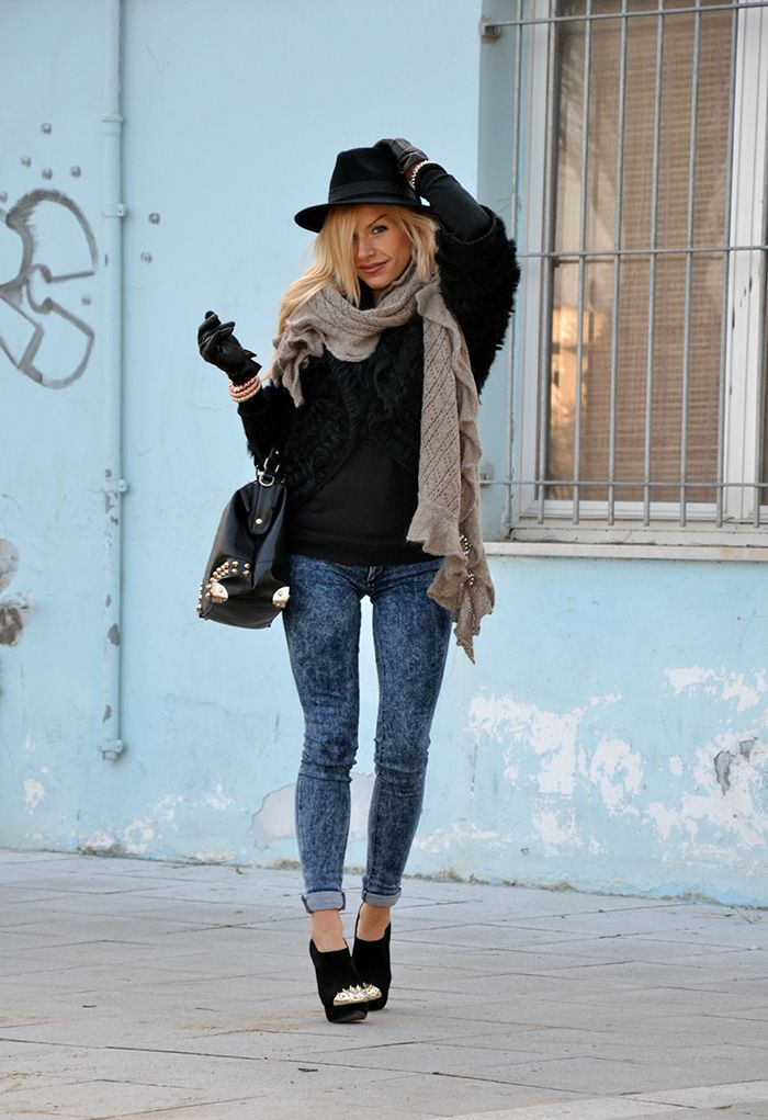 Faux Fur Coat Black Fedora Hat And Skinny Jeans Italian Fashion Blogger It Girl By Eleonora