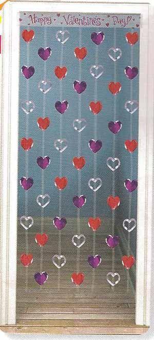 Preciosa decoraci n para la puerta esta cortina de for Puertas decoradas del 14 de febrero
