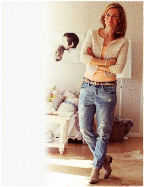 Peach and boyfriend jeans