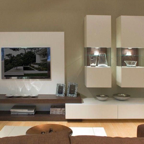 Mueble de comedor moderno con vitrinas, panel , tarimas y módulo con ...