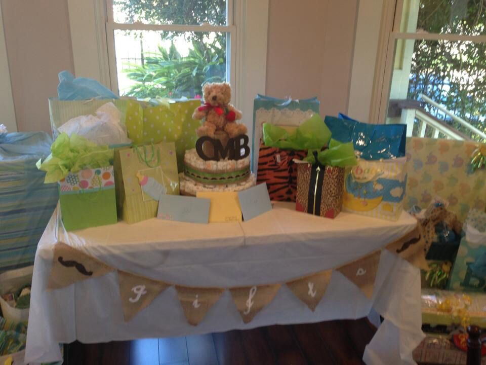 Gifts Table Baby Shower Baby Chofer Ideas Pinterest